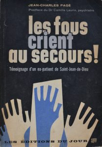 Couverture d'un livre pour titre «Les fous crient au secours!» et représentant des mains levées